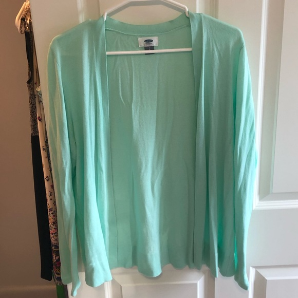 Old Navy Sweaters - Old Navy long sleeve light green cardigan, size L